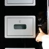 Parmak izi ile çalışan Cep Telefonu Şarj İstasyonu